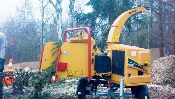 Broyeur VERMMER BC160XL sur remorque routière